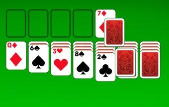 Klasikinis solitaire žaidimas su kortomis